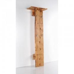 Panel Woodline mocowany do ściany zwieszakami, półkami idrążkiem