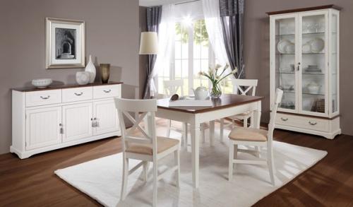 Małe, większe i największe, czyli o stolikach i stołach.
